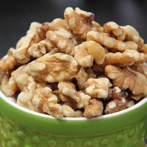 Walnut-Halfs-And-Pieces